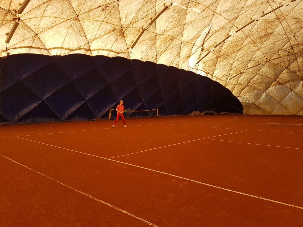 You are browsing images from the article: Dominika dwa razy na podium Ogólnopolskiego Turnieju Klasyfikacyjnego M³odziczek w Poznaniu!
